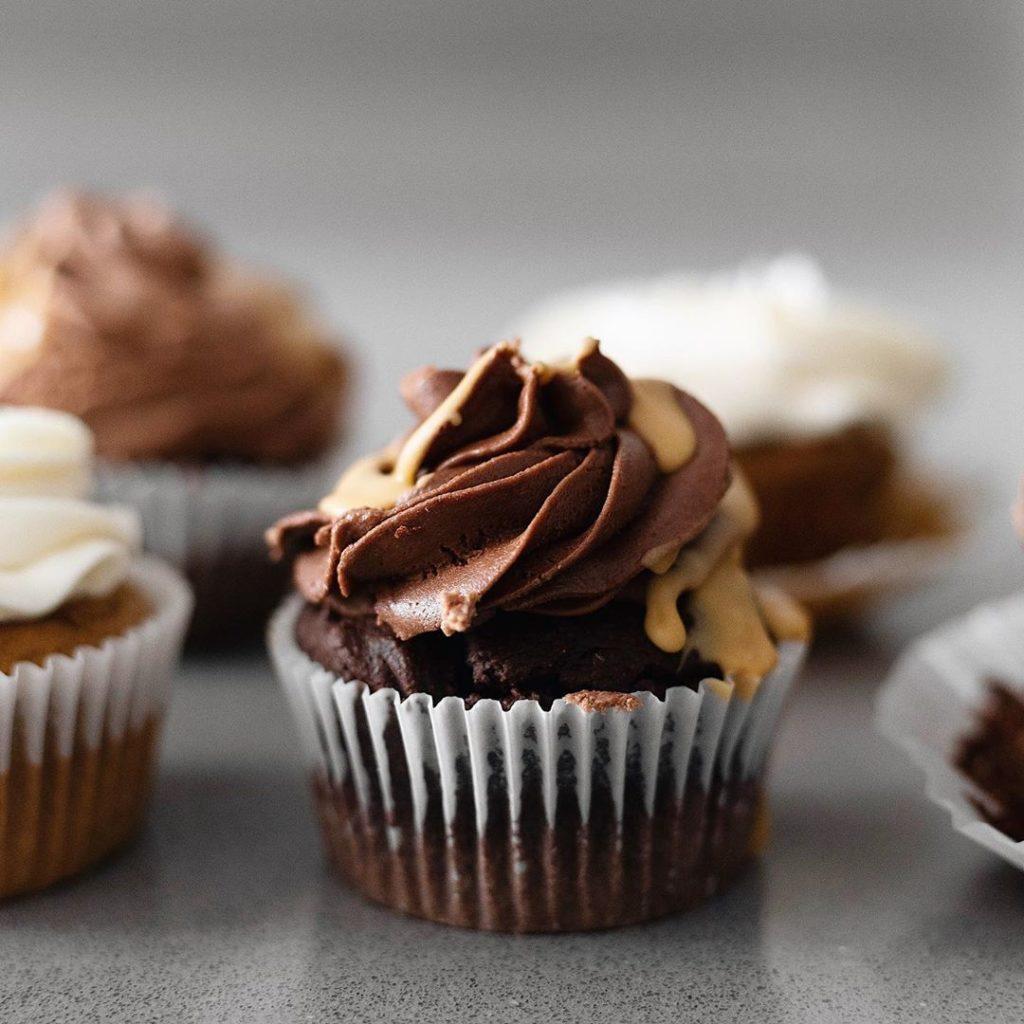 Cupcake con sabor a brownie