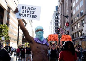 Manifestación en Estados Unidos en contra de la muerte de George Floyd. Foto: EFE