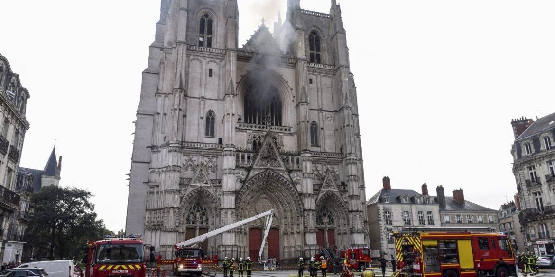 incendió catedral de Nantes