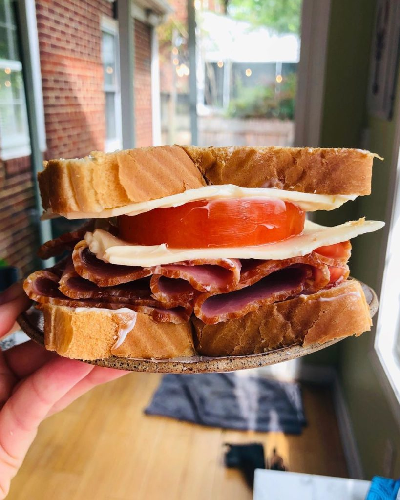 Recetas de sándwiches con jamón queso tomate y mayonesa