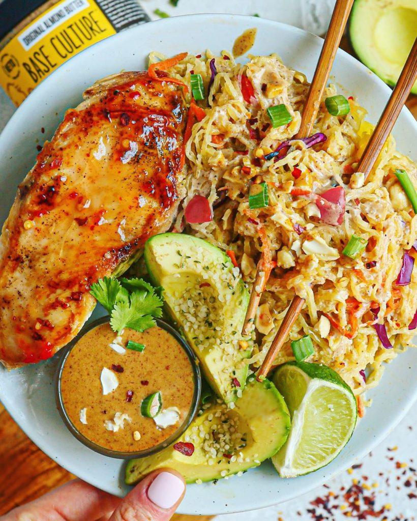 Espagueti con pechuga de pollo