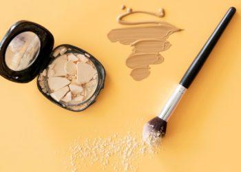 Cómo arreglar un maquillaje roto