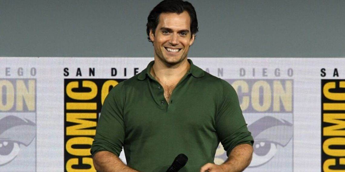 "Foto de archivo Henry Cavill asiste a ""The Witcher"": un panel de la serie original de Netflix durante el Comic-Con International 2019. Foto: AFP"