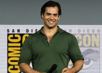 "Foto de archivo Henry Cavill asiste a ""The Witcher"": un panel de la serie original de Netflix durante el Comic-Con International 2019. Foto: AFP"