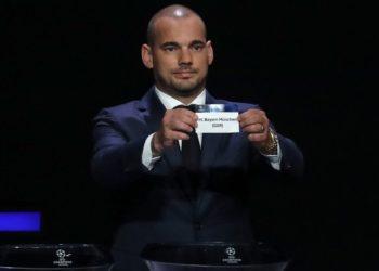 Wesley Sneijder se plantea regresar al fútbol con el Utrecht