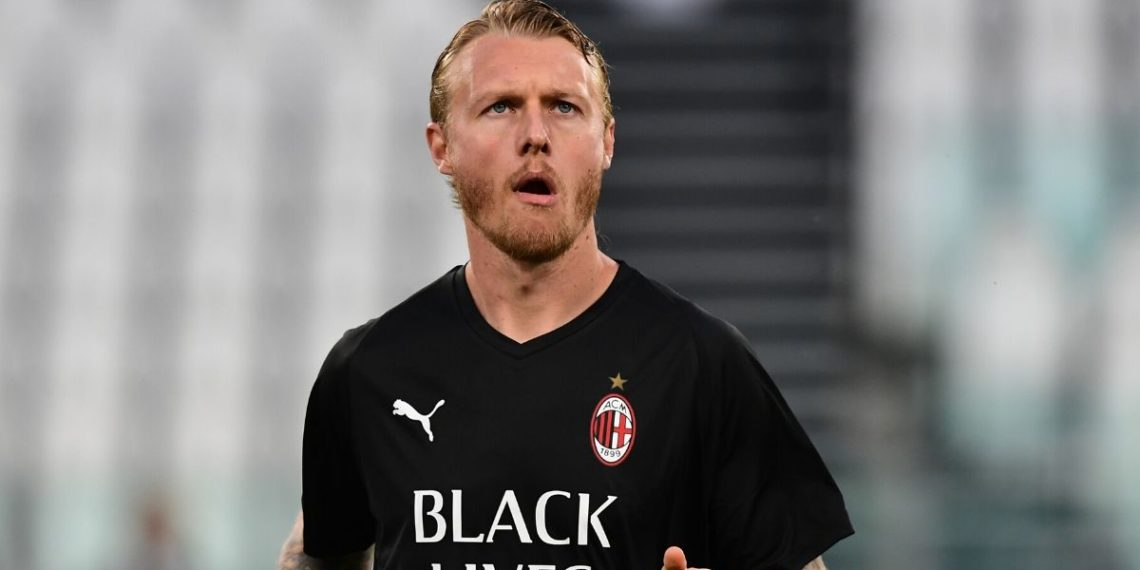 Milán ejerce opción de compra sobre el danés Simon Kjaer
