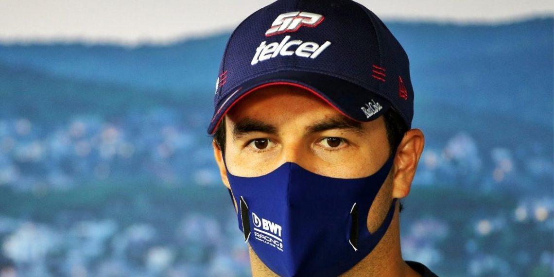 El piloto mexicano Checo Pérez bajo sospecha de COVID-19