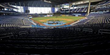Siguen en aumento casos de COVID-19 en los Miami Marlins