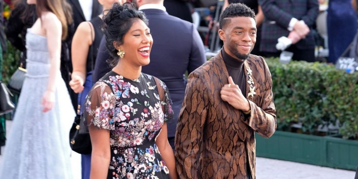Chadwick Boseman se habría casado