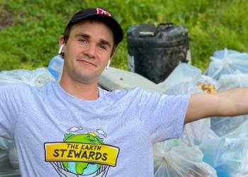 Daniel Toben recogió 7.000 bolsas de basura en 10 años