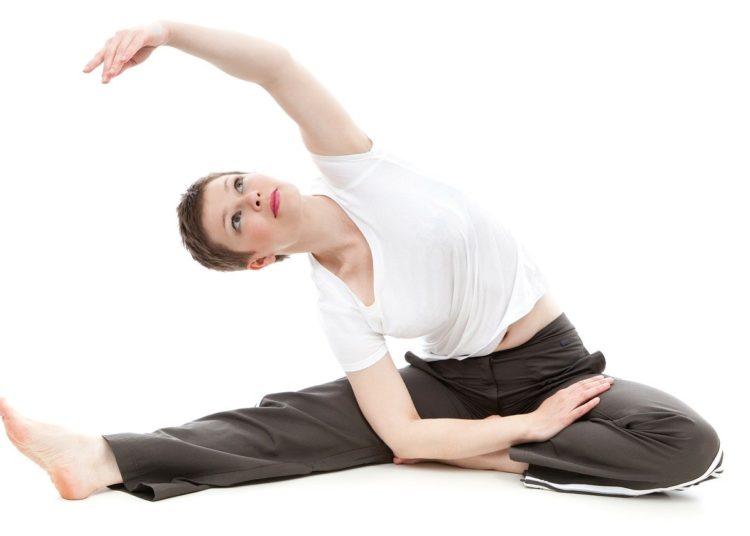 Estiramientos para evitar tensión en cuello y espalda