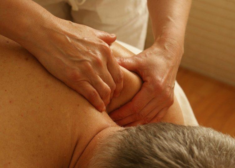 Masaje para aliviar el dolor de cuello