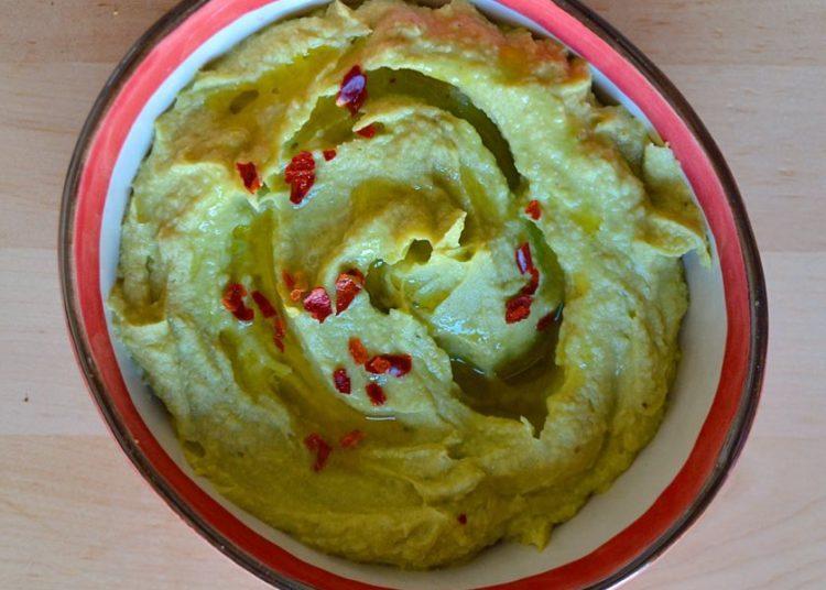 Receta de hummus de aguacate casero