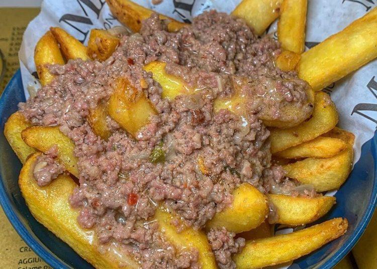 Aprende a hacer fáciles recetas de papas fritas crujientes para tus comidas rápidas y ricas