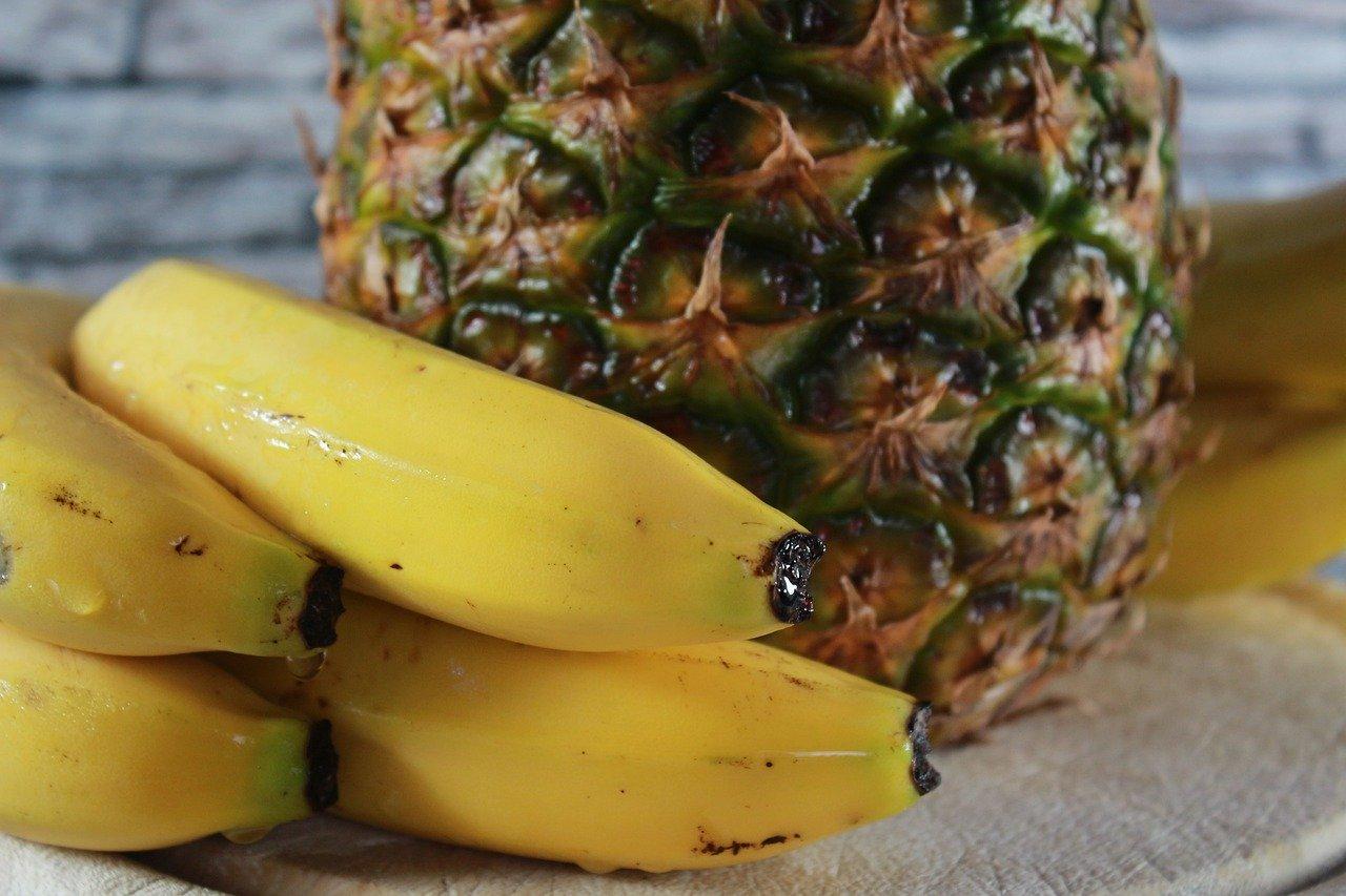 Batido con banana, coco y piña