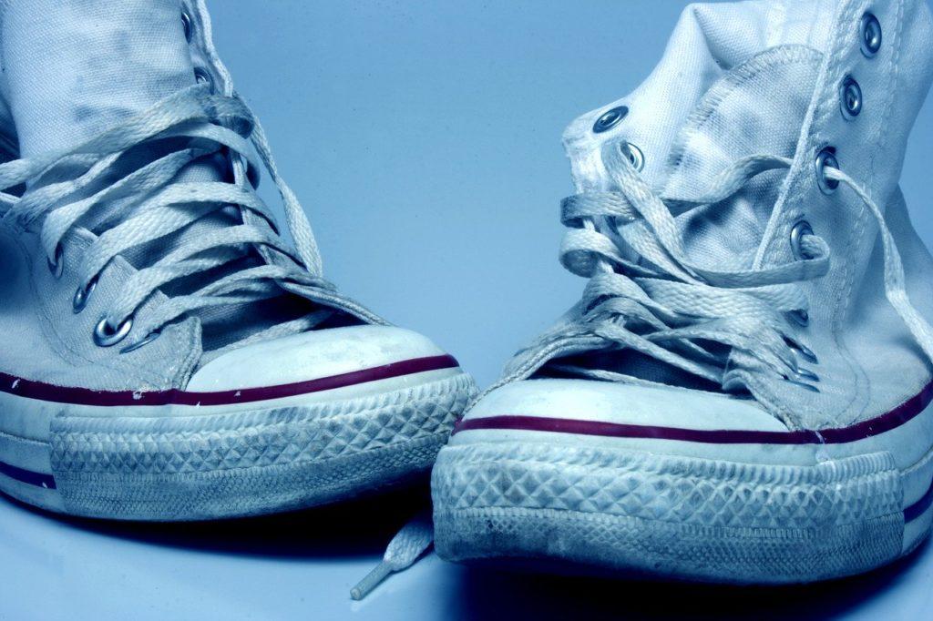 Zapatos blancos de tela