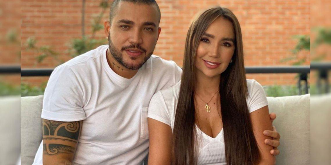 Jessi Uribe y Paola Jara se hacen un tatuaje juntos
