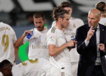 Zidane prefiere a Ramos sancionado que a Bale o James