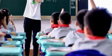Condenan a muerte a profesora que envenenó a 25 niños de un jardín en China
