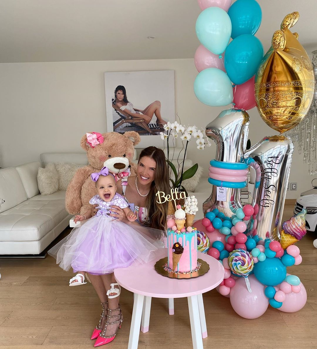 Marlene Favela celebra meses de su hija