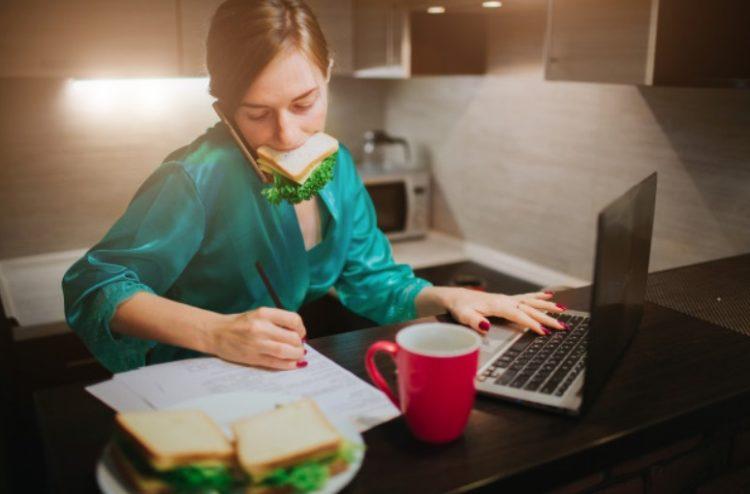 Consejos para dejar de comer de noche en exceso