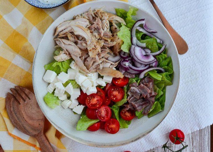 Ensaladas de pollo saludables con pechuga