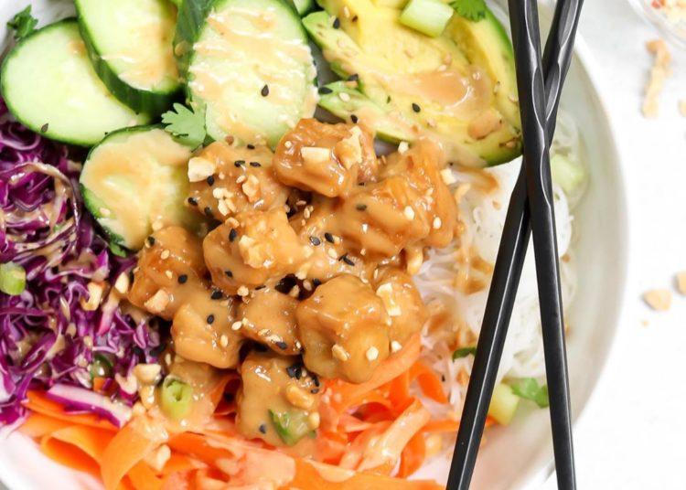 Agrega a tus recetas keto las ensaladas con coliflor