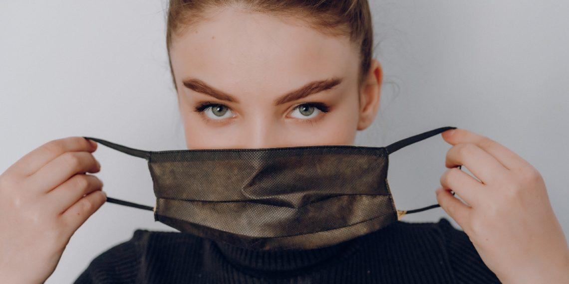 Trucos que debes aplicar al usar tapabocas quirúrgico o de tela para protegerte mejor