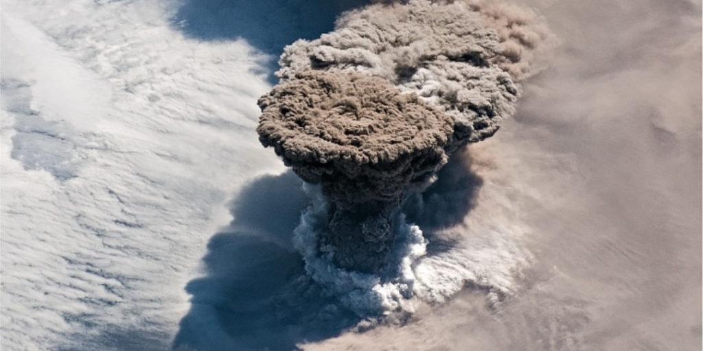 Erupción del volcán Raikoke en el planeta