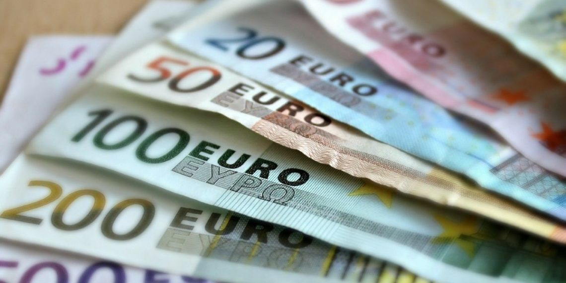 Ginebra instaura el salario mínimo más alto del mundo con 3.700 euros