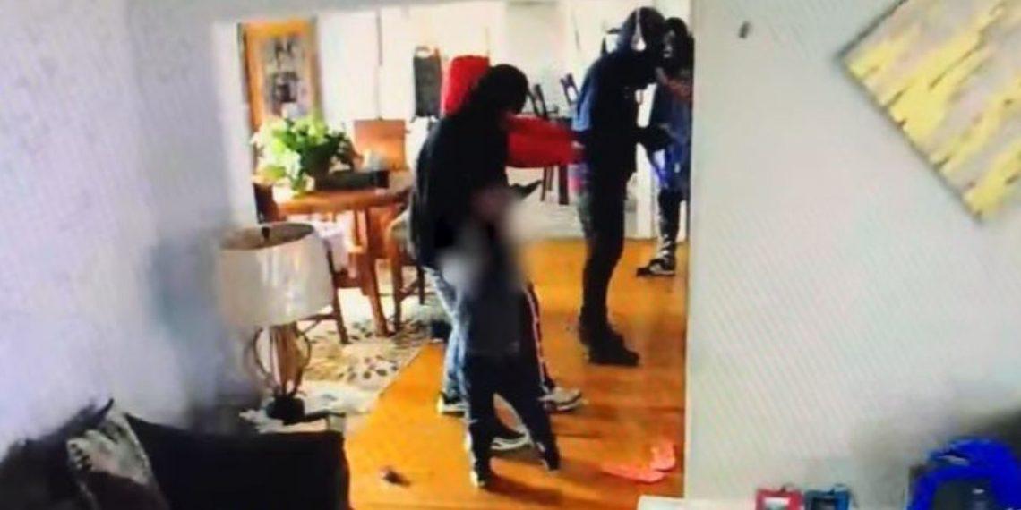 Niño de enfrenta a ladrones en Estados Unidos