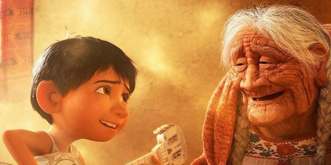 Niño canta la canción de 'Coco'