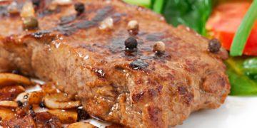 Chuleta o lomo de cerdo al horno fácil y rápido en salsa de ciruela