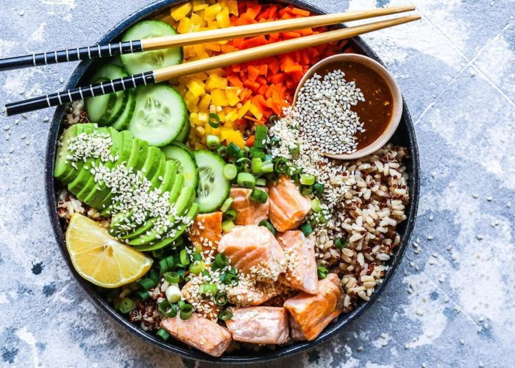 Con atún, aguacate y arroz integral