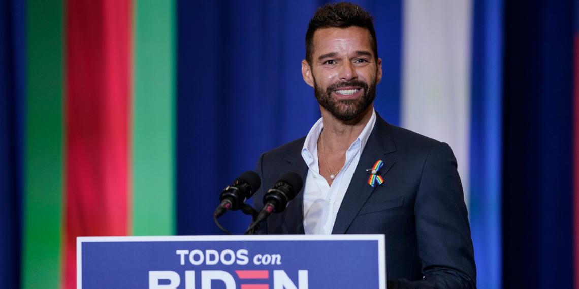 """Ricky Martin asegura que es """"muy triste"""" que los latinos voten por Trump"""