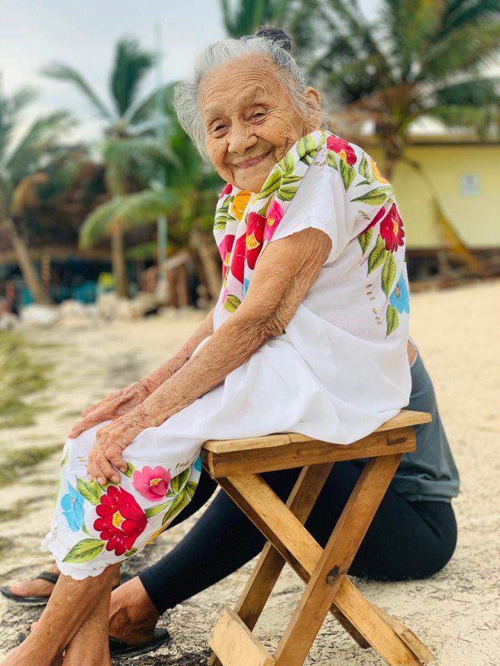 abuelita conoce el mar