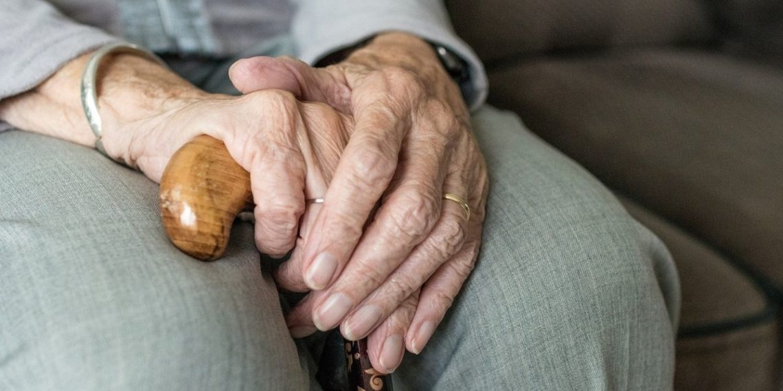 abuelito busca trabajo pensión