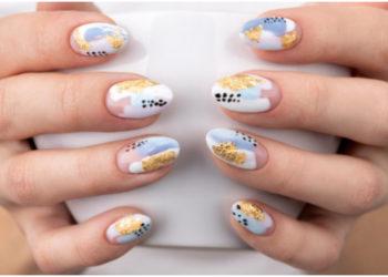 Diseños de uñas inspirados en 'Emily in París'. Foto: Freepik