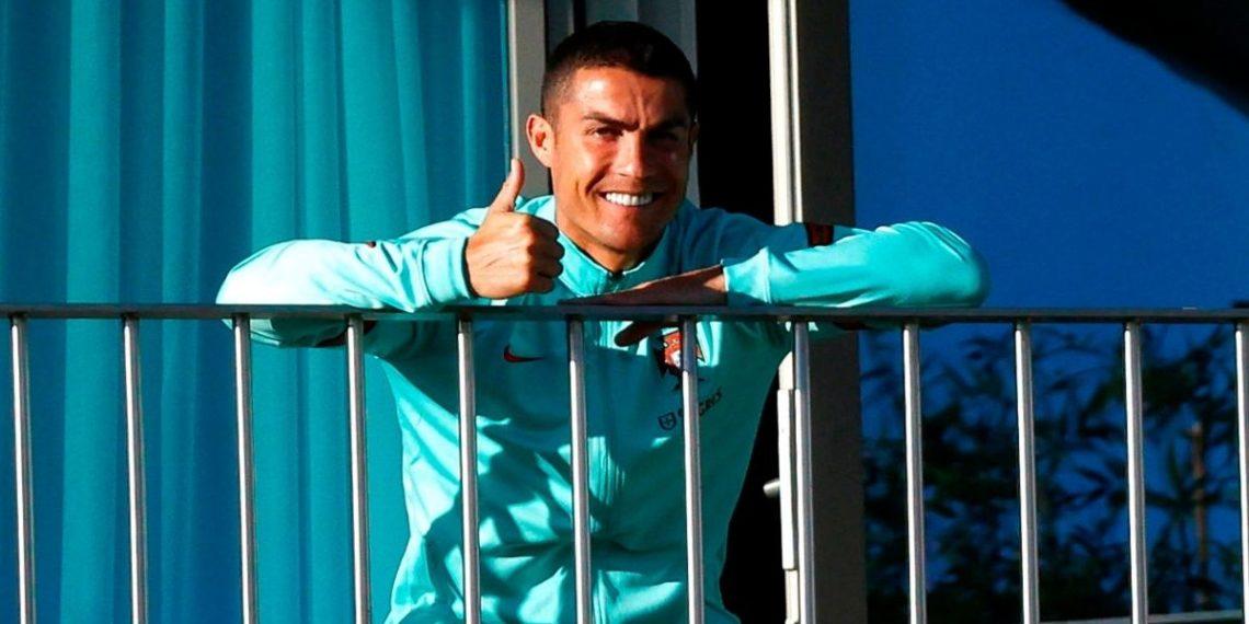 Cristiano Ronaldo hace un viaje a Italia en un avión ambulancia