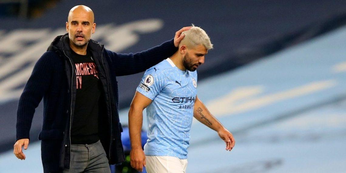 Agüero criticado por tocarle el hombro a una jueza en la Premier League