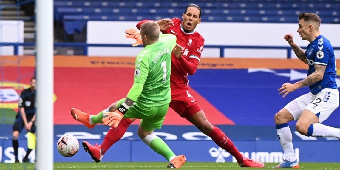 Jordan Pickford es amenazado de muerte por lesionar a Virgil van Dijk