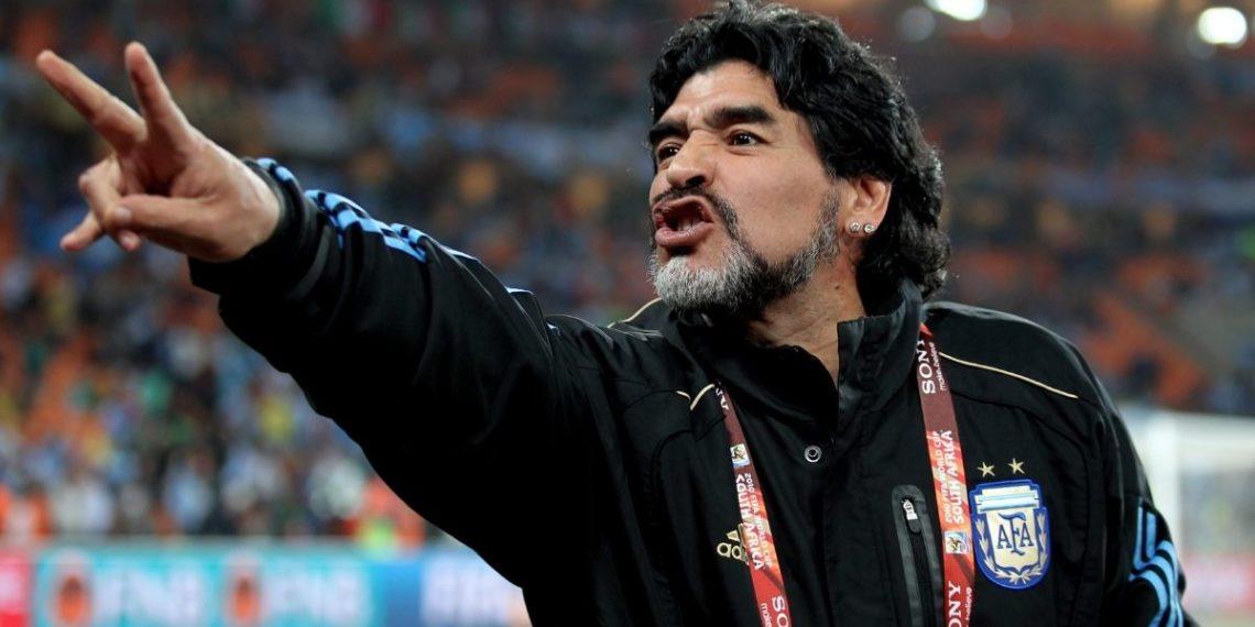 Canciones dedicadas a Maradona que fans deben descubrir o recordar