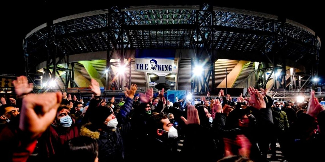 El estadio del Nápoles se llamará desde ahora Diego Armando Maradona