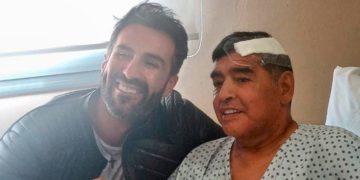 La última foto de Maradona está envuelta en una polémica