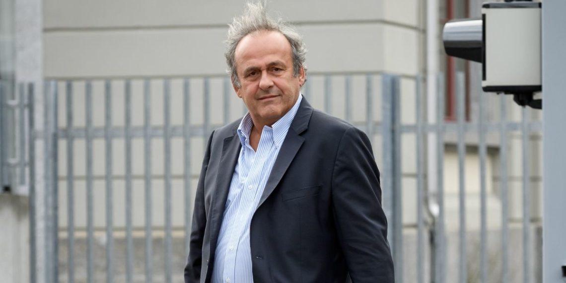 Acusan a Michel Platini y Joseph Blatter de estafa en Suiza