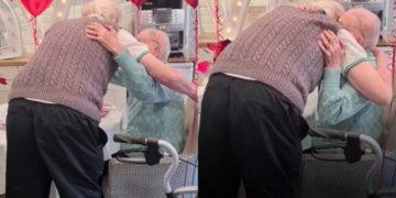 Reencuentro pareja de abuelos