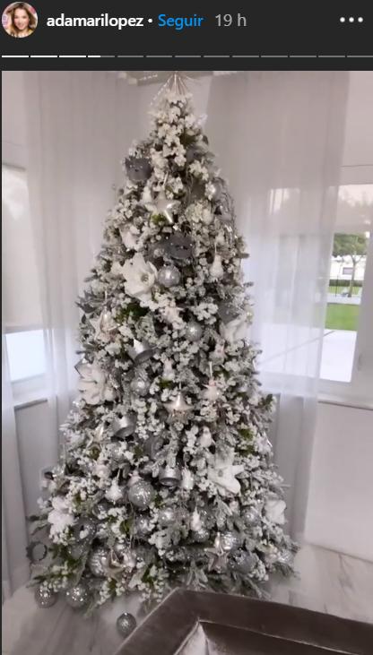arbolito navideño de Adamari López