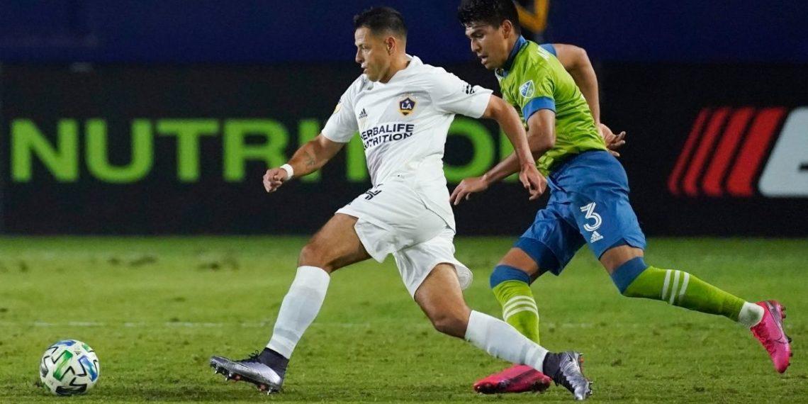 Directiva de LA Galaxy no está contenta con el Chicharito Hernández