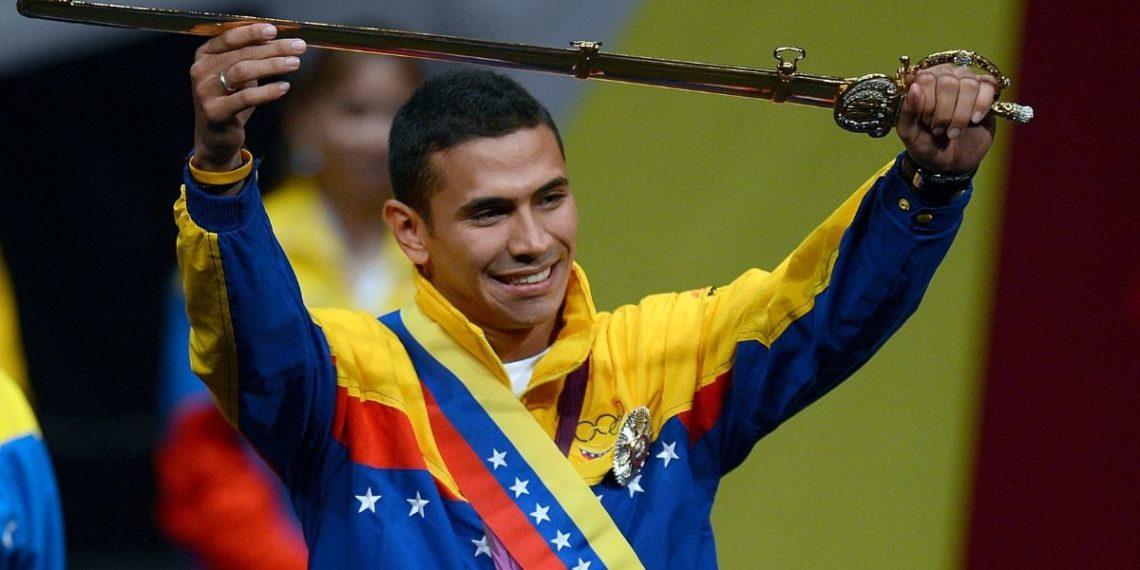 Rubén Limardo, oro olímpico en esgrima y repartidor de comida