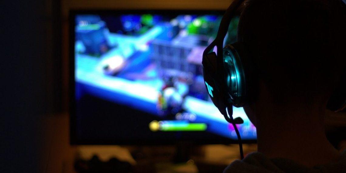 Niño contratado para jugar 'Fortnite'
